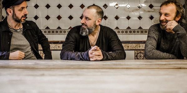 FINK La banda inglesa estará presentando su sexto álbum, Hard Believer, en Madrid, Bilbao y Barcelona en enero 2015 Fink es el seudónimo del músico y productor Fin Greenall, un...