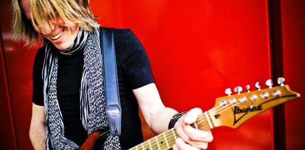 ANDY TIMMONS VISITARÁ MADRID Y BARCELONA EN MARZO Como guitarrista en Danger DangerANDY TIMMONSha vendido más de 1 millón de discos en todo el mundo y sus vídeos han llegado...