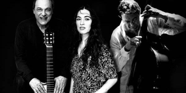 Toquinho, Sílvia Pérez Cruz y Javier Colina: abrazo transatlántico en el Universal Music Festival No es habitual que tres músicos de semejante talla creativa y procedencia tan dispar –Toquinho, Sílvia […]
